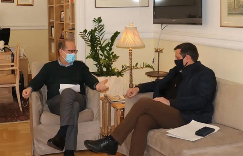 Συνάντηση του περιφερειάρχη Π. Νίκα με τον δήμαρχο Βόρειας Κυνουρίας Γ. Καμπύλη