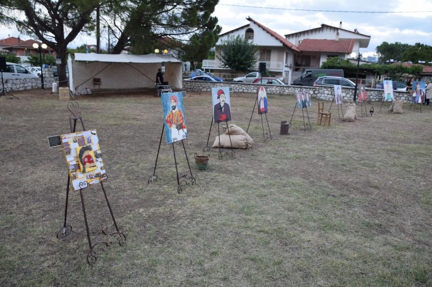Παρουσιάστηκε η έκθεση ζωγραφικής του Βασίλη Μανωλόπουλου στην Τρίπολη (pics - vid)
