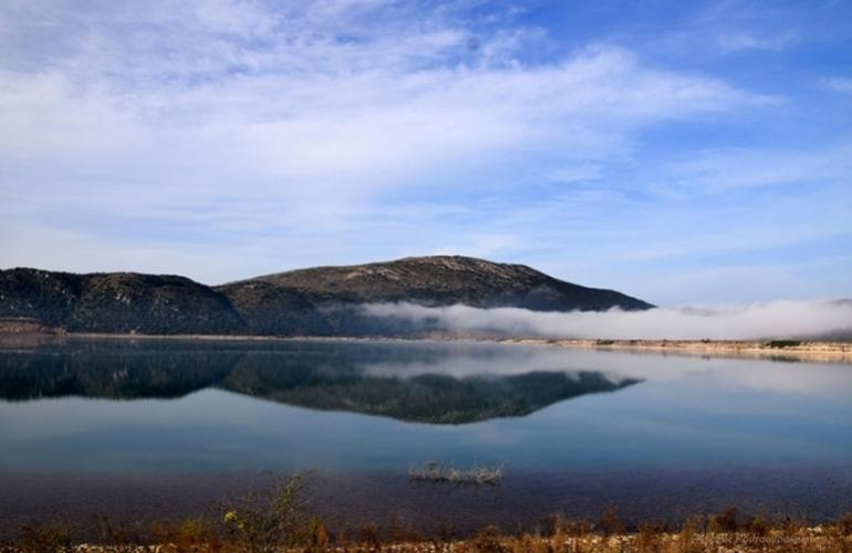 Υπέγραψε ο περιφερειάρχης Πελοποννήσου το έργο στην λίμνη Τάκα