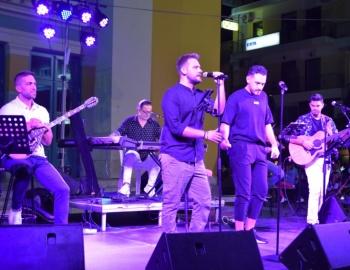 Συναυλία με Ελληνικά τραγούδια στην Τρίπολη (pics - vid)